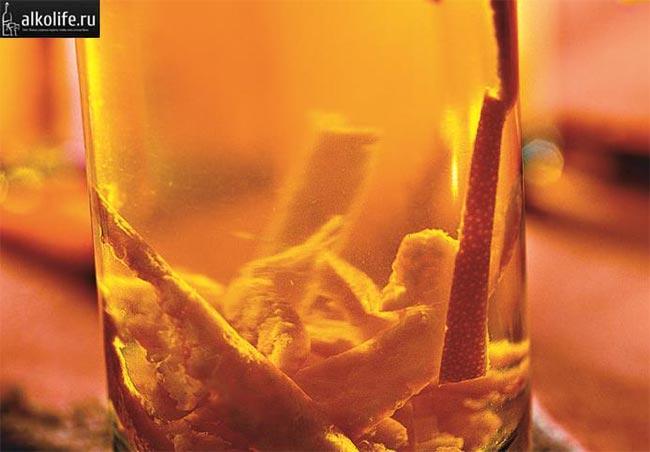 Наливка из сушеной мандариновой цедры