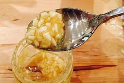 Чеснок, мёд и яблочный уксус