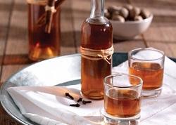 Свойства и противопоказания для настойки грецкого ореха