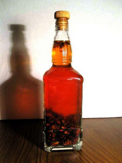 Бутылка настойки
