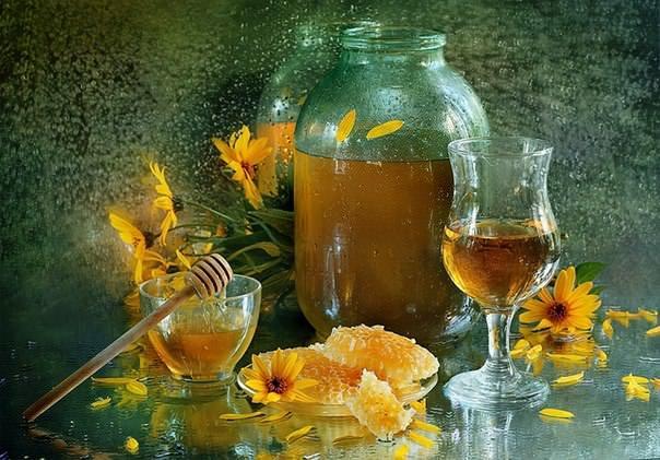 Настойка из экстракта пчелиной моли может быть изготовлена дома