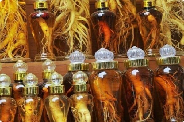 Настойку чаще всего готовят на водке