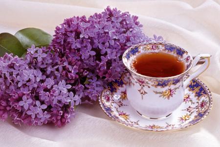 Чай с настойкой сирени