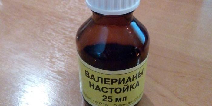 Бутылочка с настойкой валерианы