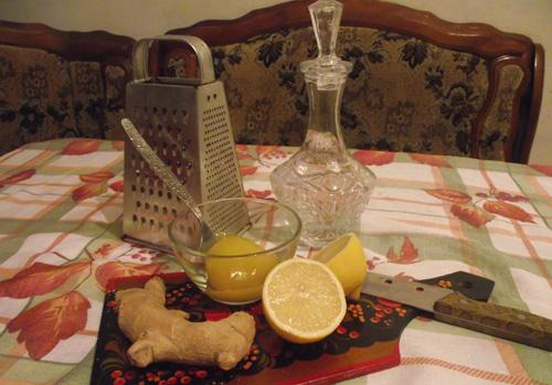 имбирь, лимон, мед и самогон для настойки