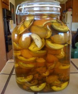 На фото - настой из грецких орехов на меду, syl.ru