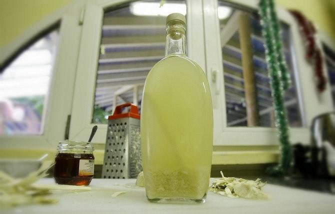 Приготовление хреновухи на меду