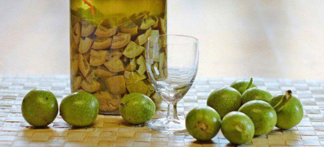 настойка на зеленых грецких орехах применение