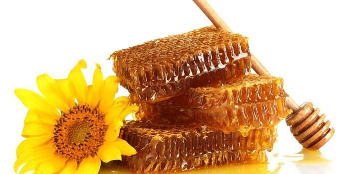 Цветок и медовые соты