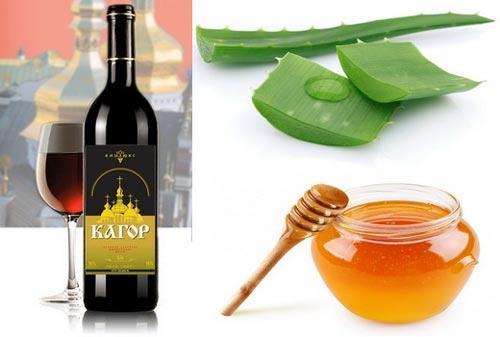 Бутылка вина, мед и алоэ.